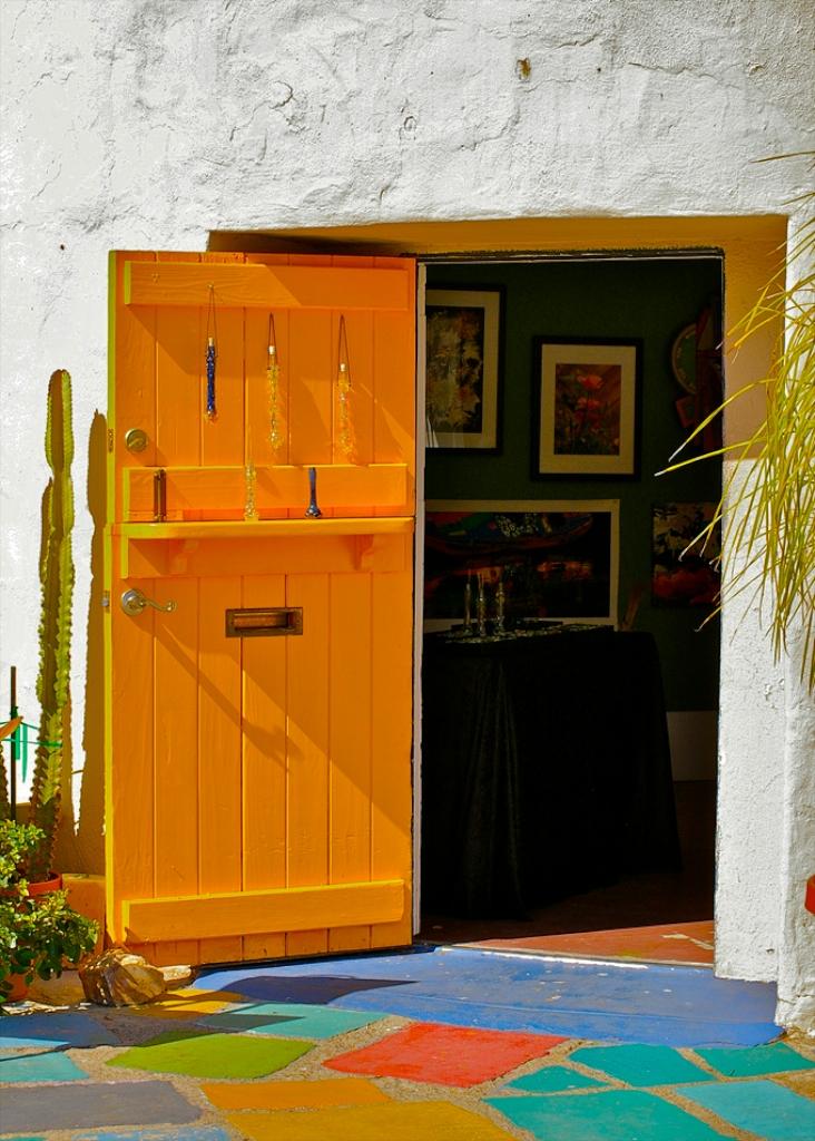 balboa-yellow-door